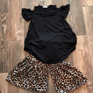 Other - Bell bottom cheetah print /black shirt sleeve top